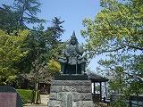 謙信公銅像1.jpg